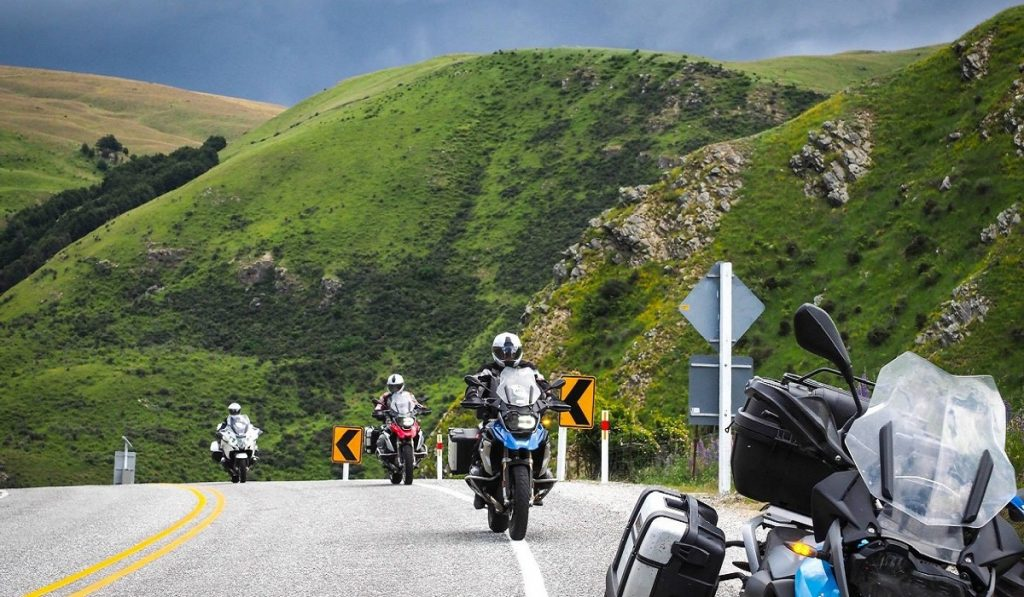 Motorcycle and Bicycle Hire for traveling to New Zealand