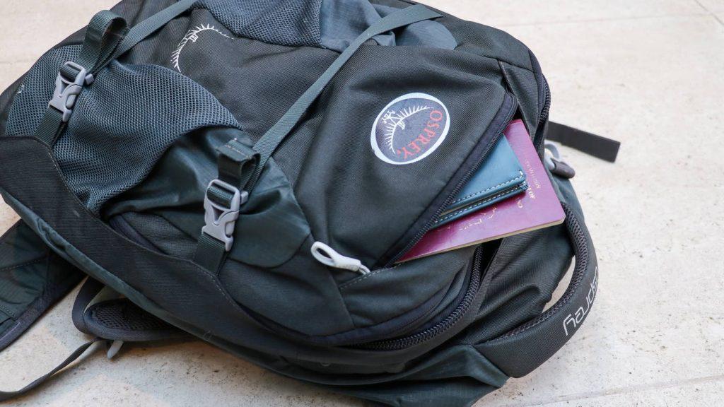 Osprey Farpoint 40 Front Pocket
